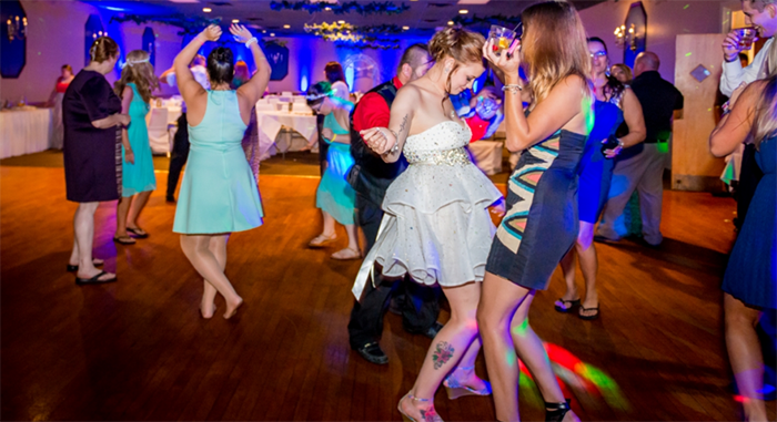 5 Wedding Reception Music Mistakes To Avoid