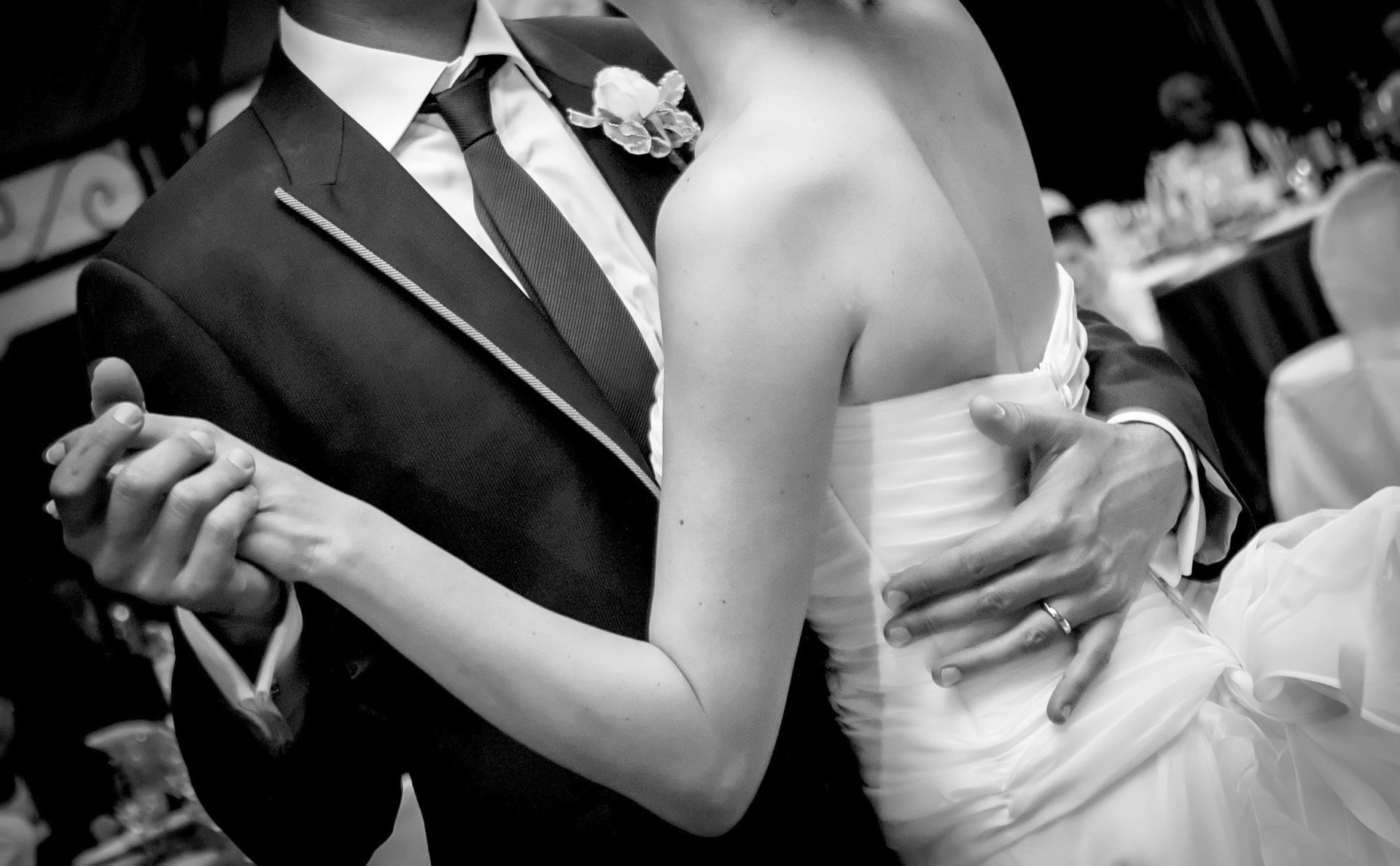How To Choose The Perfect First Dance Song For Your Wedding