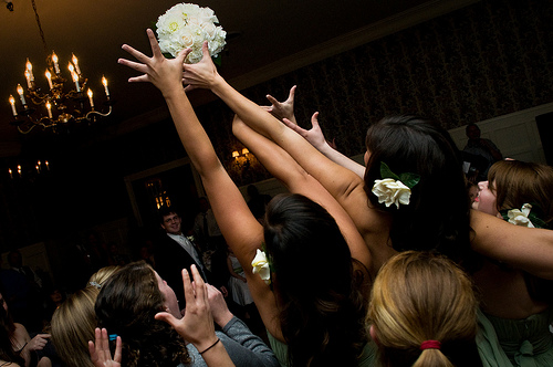 THE BOUQUET TOSS EXPLAINED