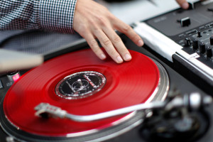 Wedding DJs Should Know How To Mix Properly