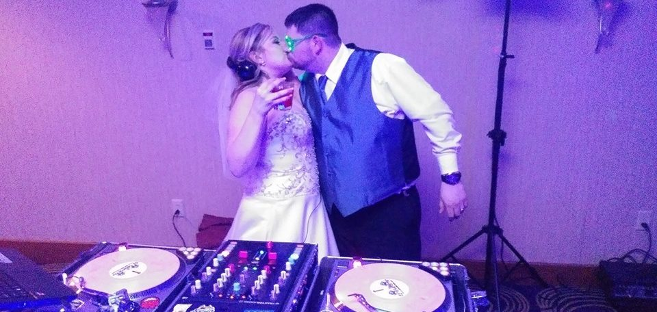 Nau Wedding | Rochester DJ | Rochester Riverside Hotel Reception