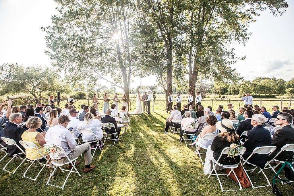 Having An Outdoor Wedding