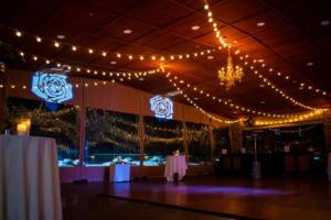 Ravenwood country club wedding reception | Custom lighting | Rochester DJ | Rochester Wedding and Event Entertainment